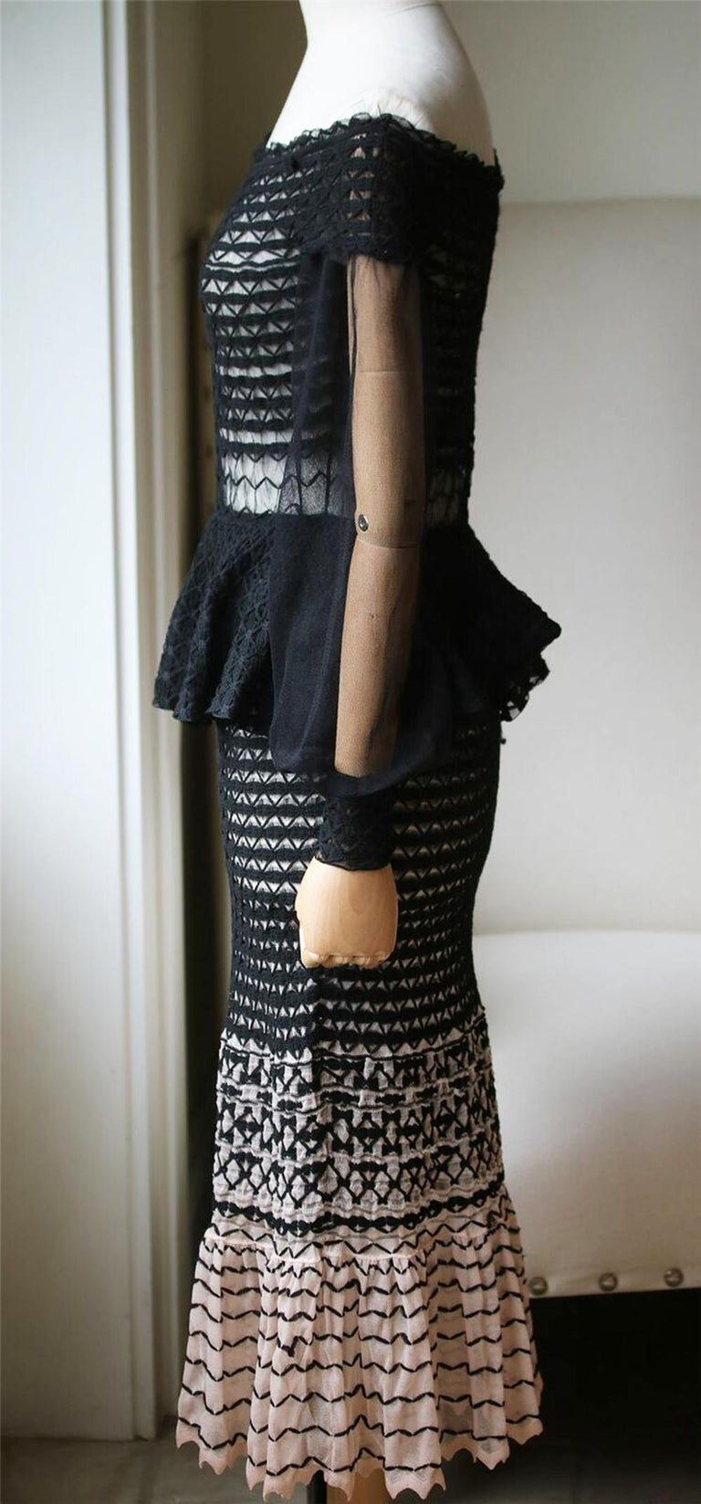 Alexander McQueen Off-the-Shoulder Knitted Dress  In Excellent Condition For Sale In London, GB