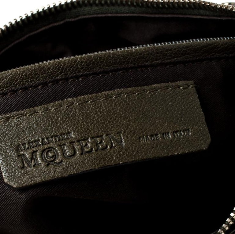 Alexander McQueen Olive Green Leather Medium De Manta Clutch For Sale 5
