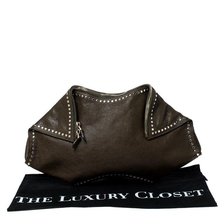 Alexander McQueen Olive Green Leather Medium De Manta Clutch For Sale 7