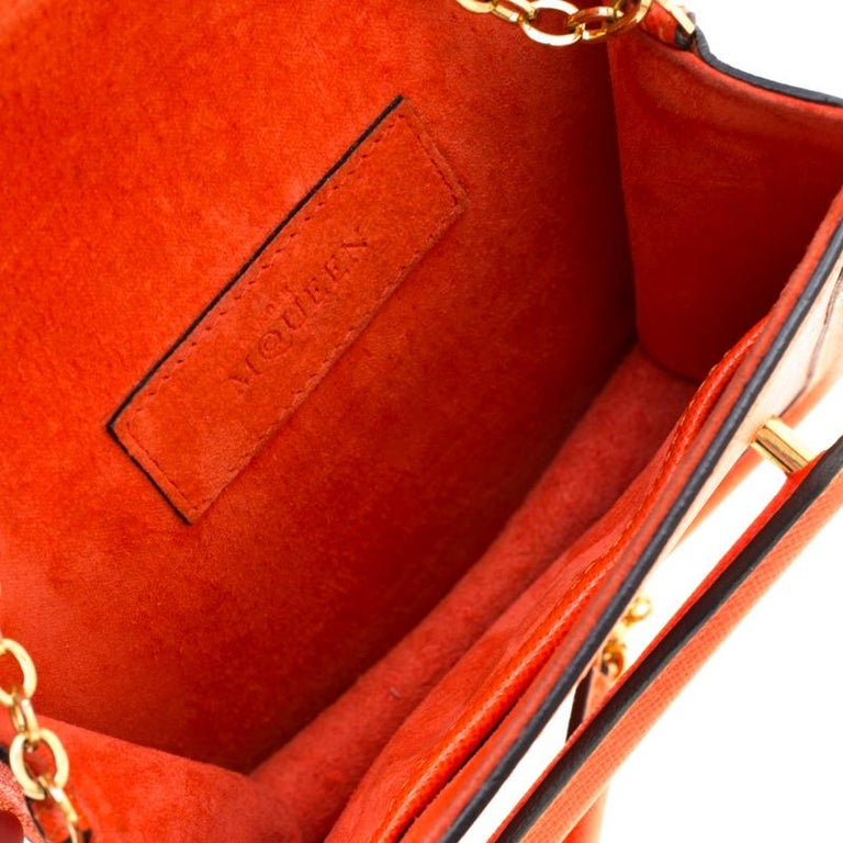 Alexander McQueen Orange Leather Mini Heroine Chain Crossbody Bag For Sale 5