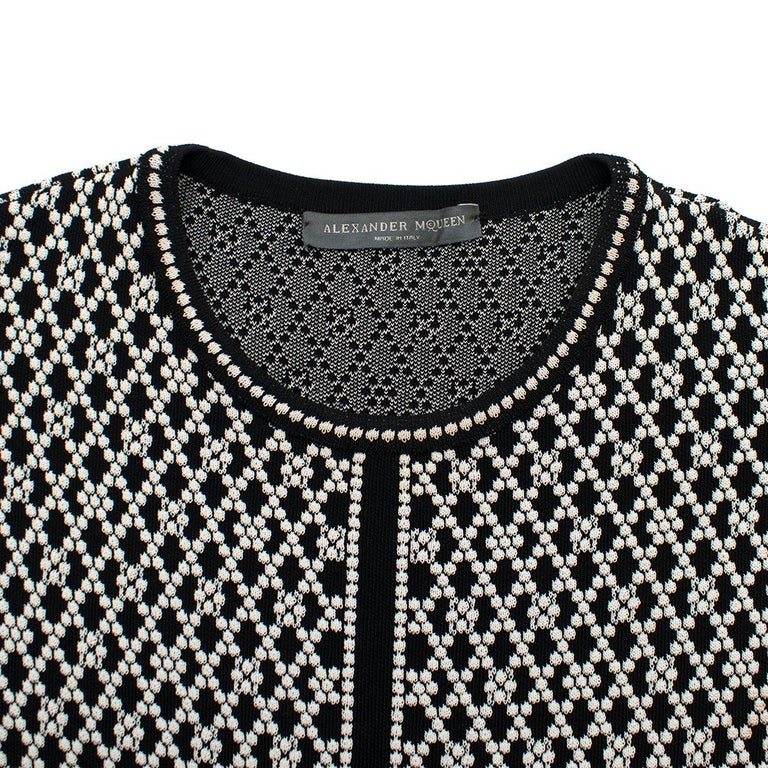 Alexander McQueen ornate-jacquard knit dress US 8 In Excellent Condition For Sale In London, GB