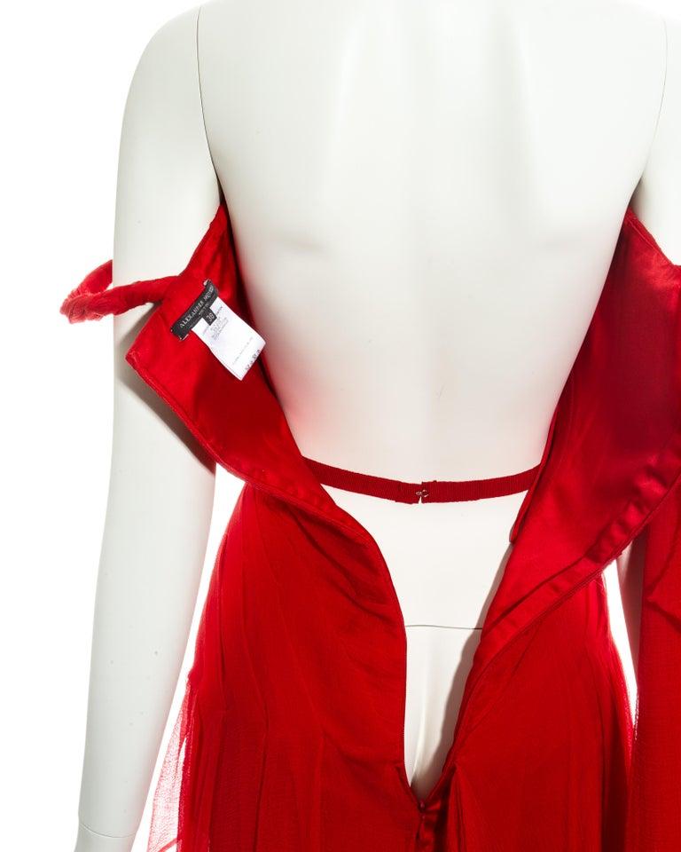 Alexander McQueen red silk chiffon corseted evening dress, ss 2003 For Sale 3