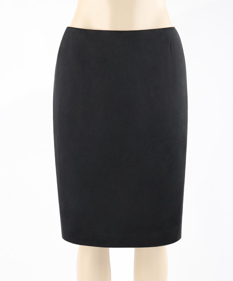 A timeless classic ALEXANDER McQUEEN black pencil skirt addition to your wardrobe!  ALEXANDER McQUEEN S/S 2008