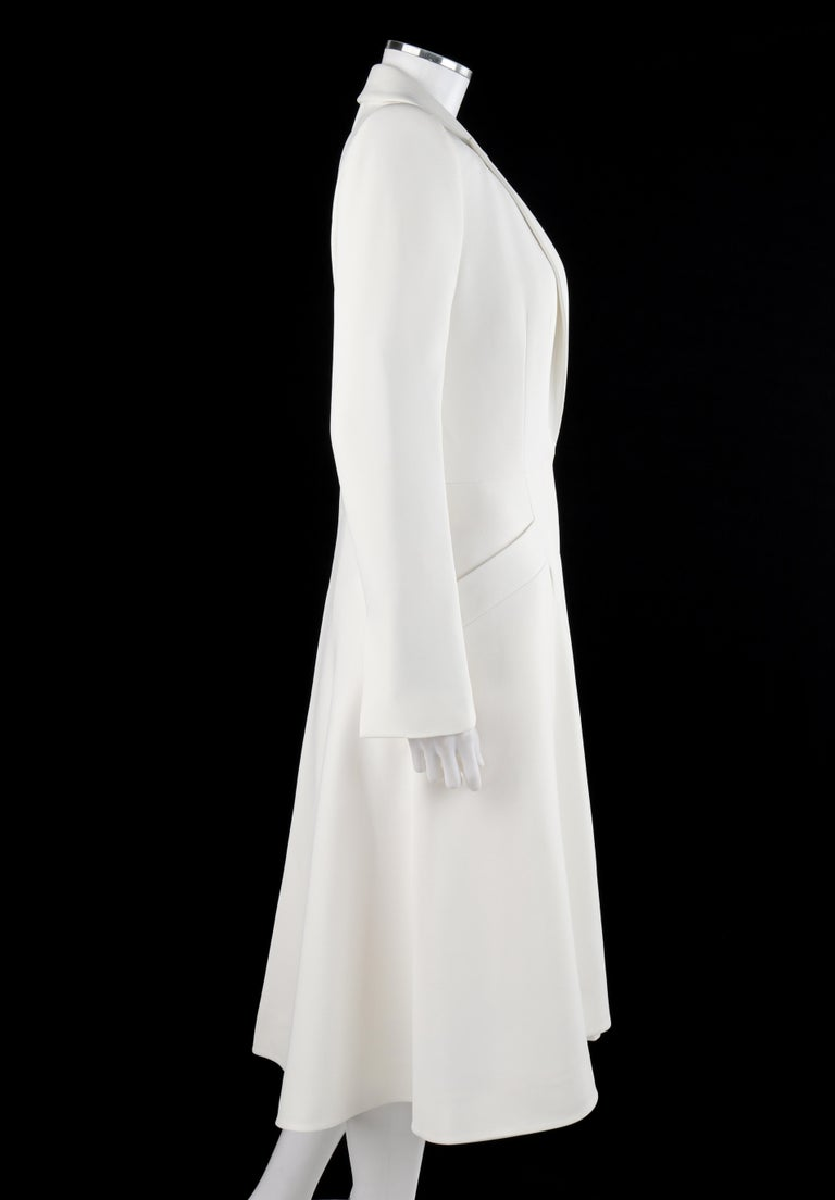 ALEXANDER McQUEEN S/S 2015 White Tailored Classic Structure Longline Coat Dress In Fair Condition For Sale In Thiensville, WI