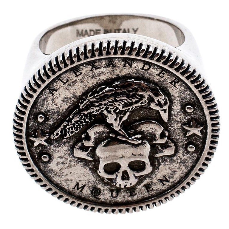 Contemporary Alexander McQueen Silver Tone Crow and Skull Medallion Ring Size EU 60 For Sale