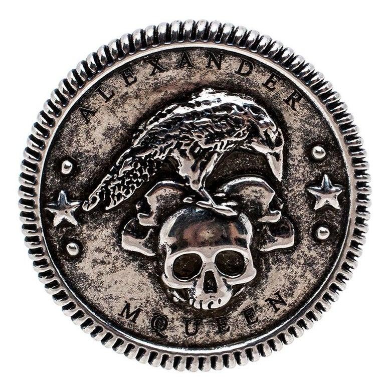 Alexander McQueen Silver Tone Crow and Skull Medallion Ring Size EU 60 In Excellent Condition For Sale In Dubai, Al Qouz 2