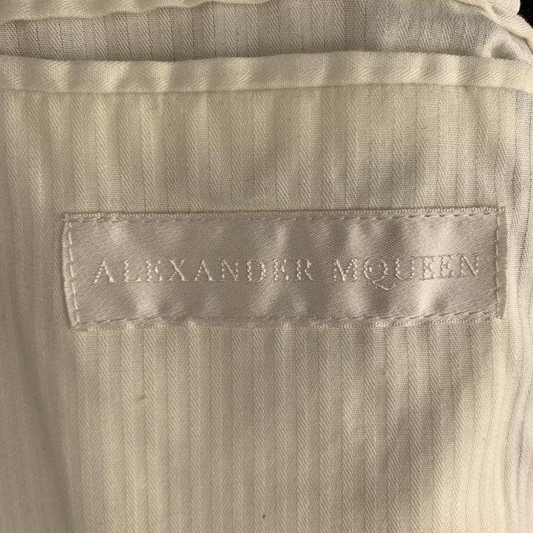 ALEXANDER MCQUEEN Size 42 Black Linen Notch Lapel Hidden Button Sport Coat For Sale 4