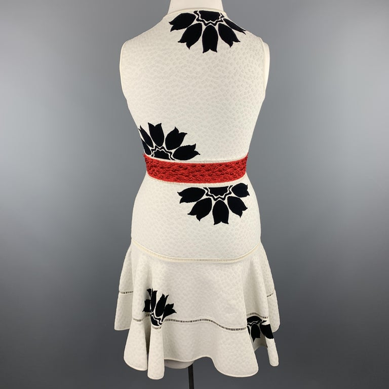 ALEXANDER MCQUEEN Size L White & Black Floral Ruffle Skirt Cocktail Dress For Sale 1