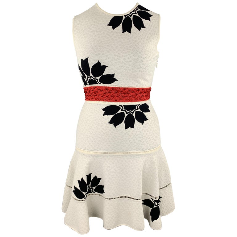 ALEXANDER MCQUEEN Size L White & Black Floral Ruffle Skirt Cocktail Dress For Sale