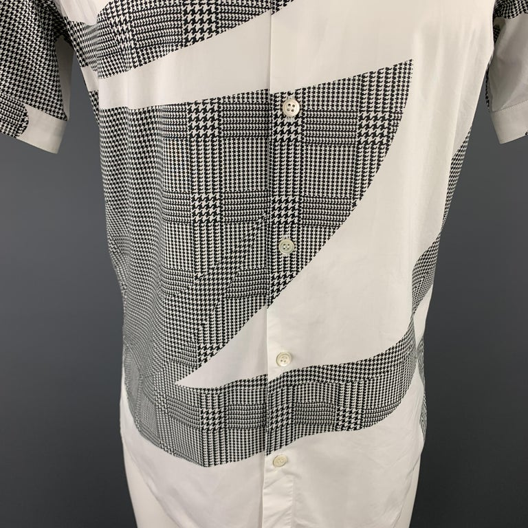 Gray ALEXANDER MCQUEEN S Black & White Graphic Houndstooth Print Short Sleeve Shirt For Sale