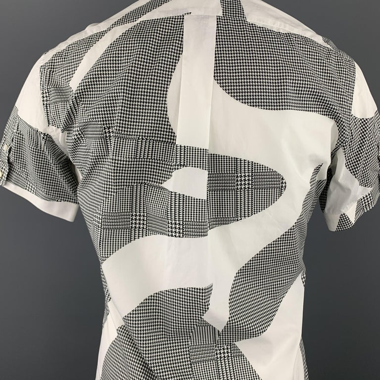 ALEXANDER MCQUEEN S Black & White Graphic Houndstooth Print Short Sleeve Shirt For Sale 1