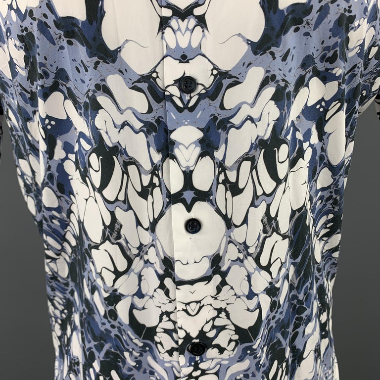 ALEXANDER MCQUEEN Size XS Blue Marble Print Short Sleeve Button Down Shirt In Excellent Condition For Sale In San Francisco, CA