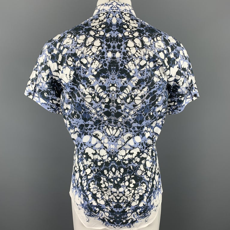 ALEXANDER MCQUEEN Size XS Blue Marble Print Short Sleeve Button Down Shirt For Sale 1