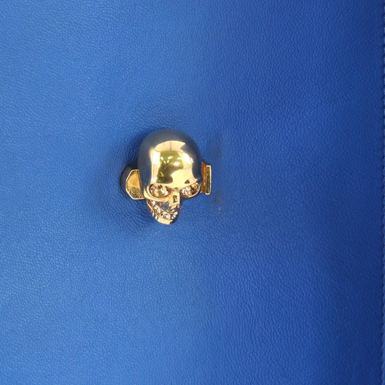 Alexander McQueen Skull Envelope Clutch Leather For Sale 5