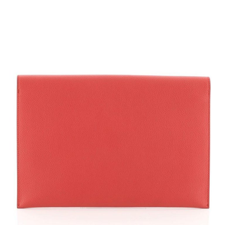Alexander McQueen Skull Envelope Clutch Leather In Good Condition For Sale In New York, NY