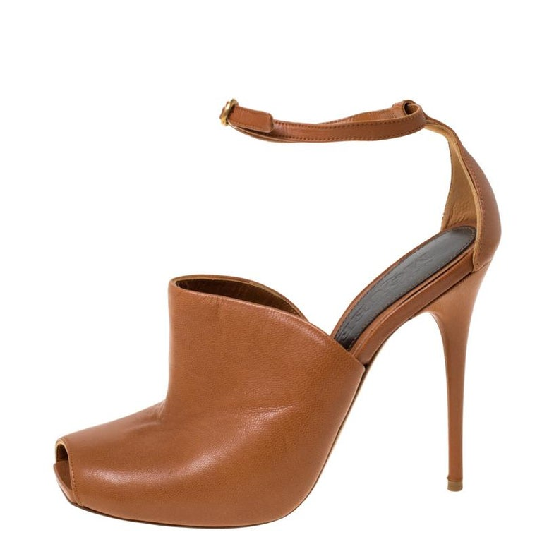 Women's Alexander McQueen Tan Leather Mules Ankle Strap Sandals Size 37 For Sale