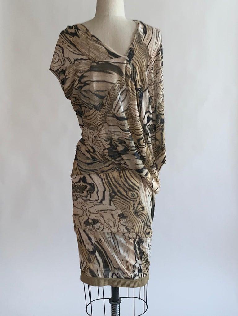 Alexander McQueen Tan Woodgrain Print Knit Asymmetric Drape Dress 2009 In Excellent Condition For Sale In San Francisco, CA