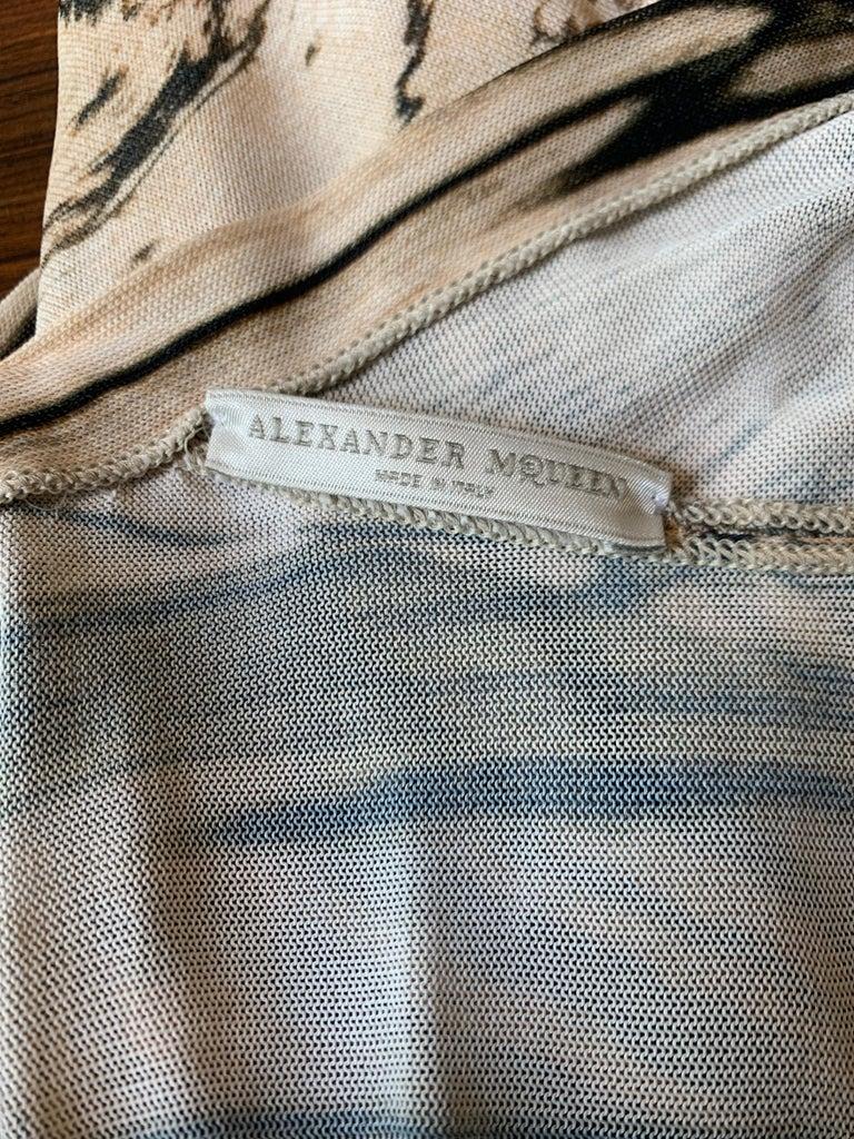Alexander McQueen Tan Woodgrain Print Knit Asymmetric Drape Dress 2009 For Sale 1