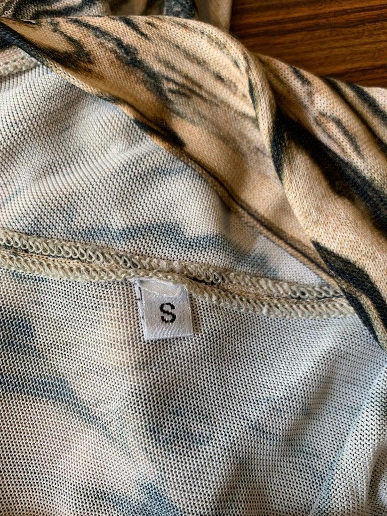 Alexander McQueen Tan Woodgrain Print Knit Asymmetric Drape Dress 2009 For Sale 2