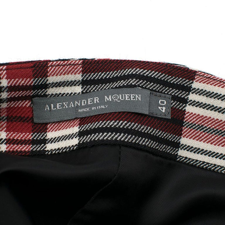 Alexander McQueen Tartan Wool Pencil Skirt Size 40 In New Condition For Sale In London, GB