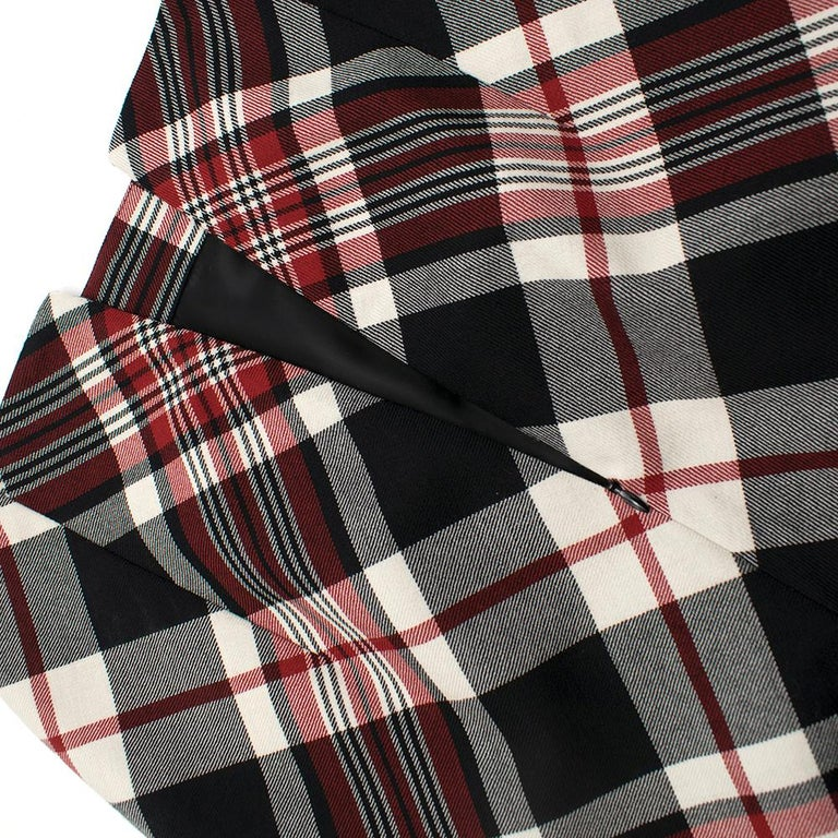Alexander McQueen Tartan Wool Pencil Skirt Size 40 For Sale 1