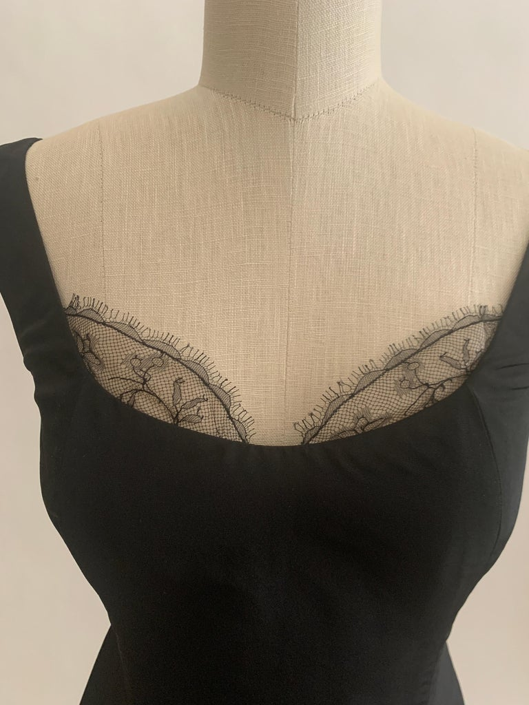 Alexander McQueen 2005 Black Silk Sleeveless Midi Wiggle Dress with Lace Trim In Excellent Condition For Sale In San Francisco, CA