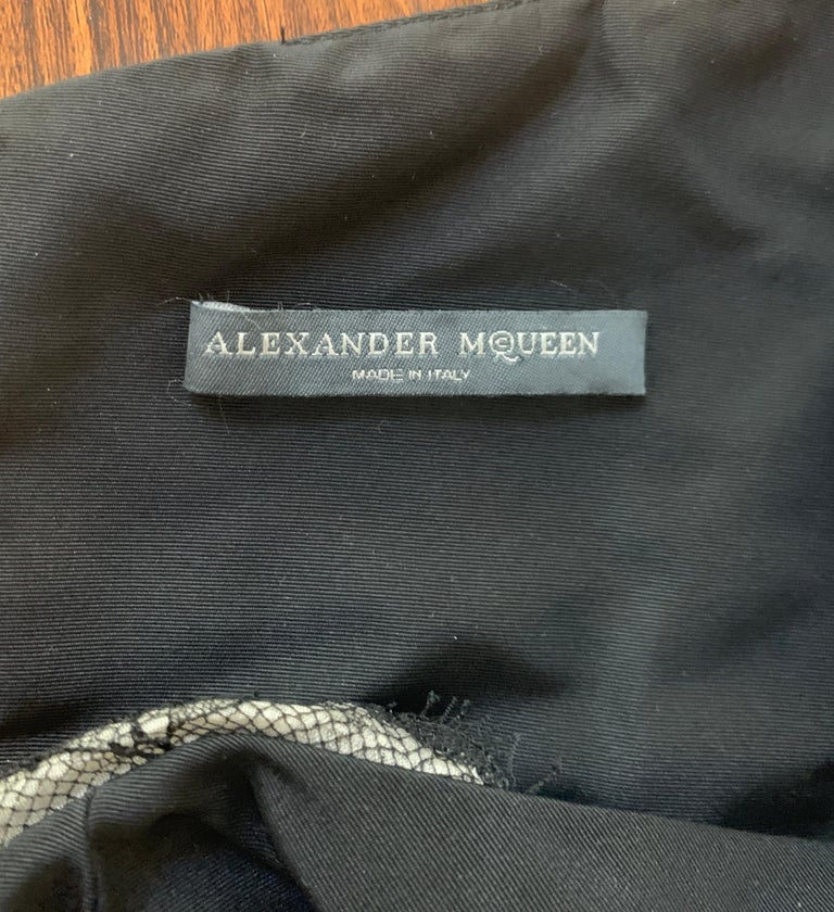 Alexander McQueen 2005 Black Silk Sleeveless Midi Wiggle Dress with Lace Trim For Sale 2