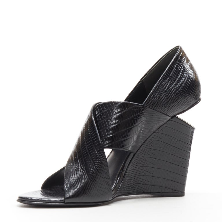 ALEXANDER WANG black mock lizard print cross strap cut out wedge sandal EU38 In Excellent Condition For Sale In Hong Kong, NT
