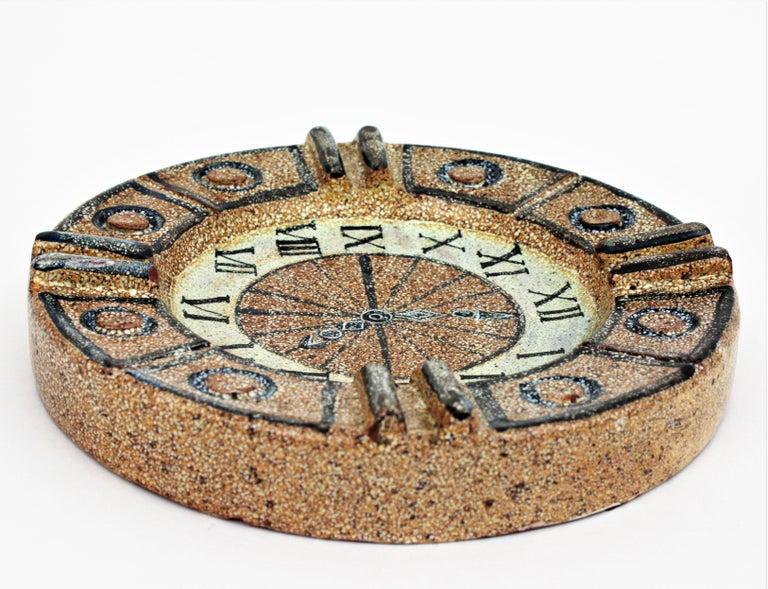Mid-Century Modern Alfaraz Spanish Glazed Ceramic Clock Design Round Large Ashtray, 1960s For Sale