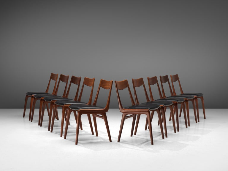 Alfred Christensen for Slagelse Møbelvaerk, set of 10 dining chairs model 370, teak, leatherette, Denmark, 1960s  Elegant set of Danish dining chairs, featuring a teak frame. Seen from the side, the seat's frame that flows over to the backrest has