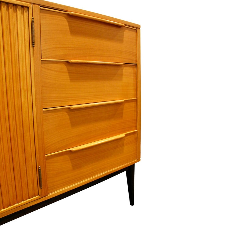 Alfred Hendrickx Large Credenza in Fruitwood, 1950s In Excellent Condition For Sale In New York, NY