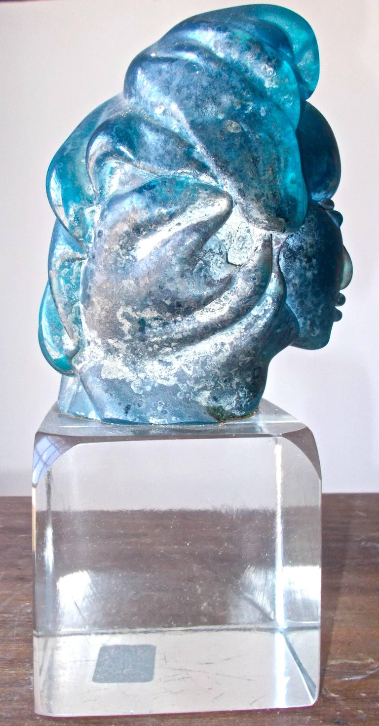 Alfredo Barbini 'Attributed' Iridized Blue Glass Sculpture In Good Condition For Sale In Sharon, CT