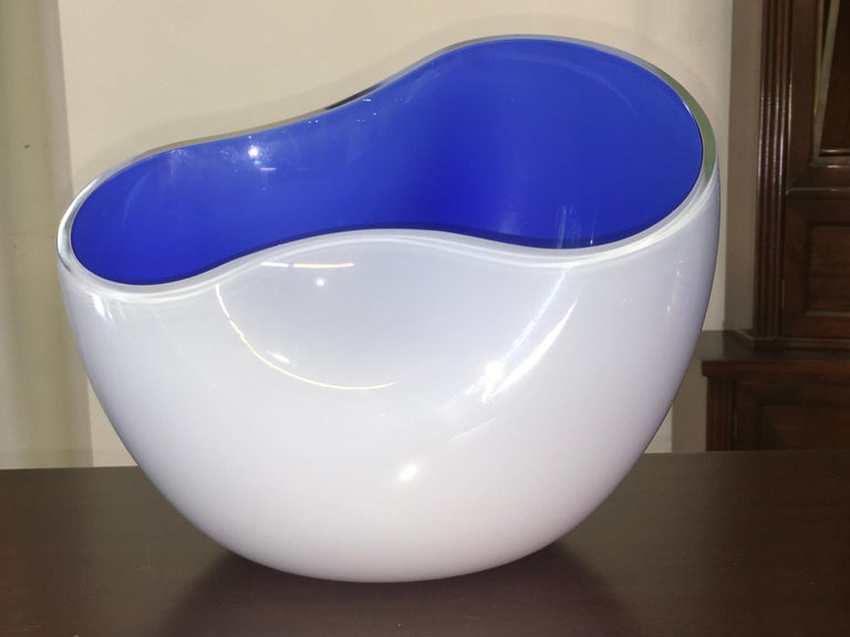 Late 20th Century Alfredo Barbini Biomorphic Glass Bowl, Signed For Sale