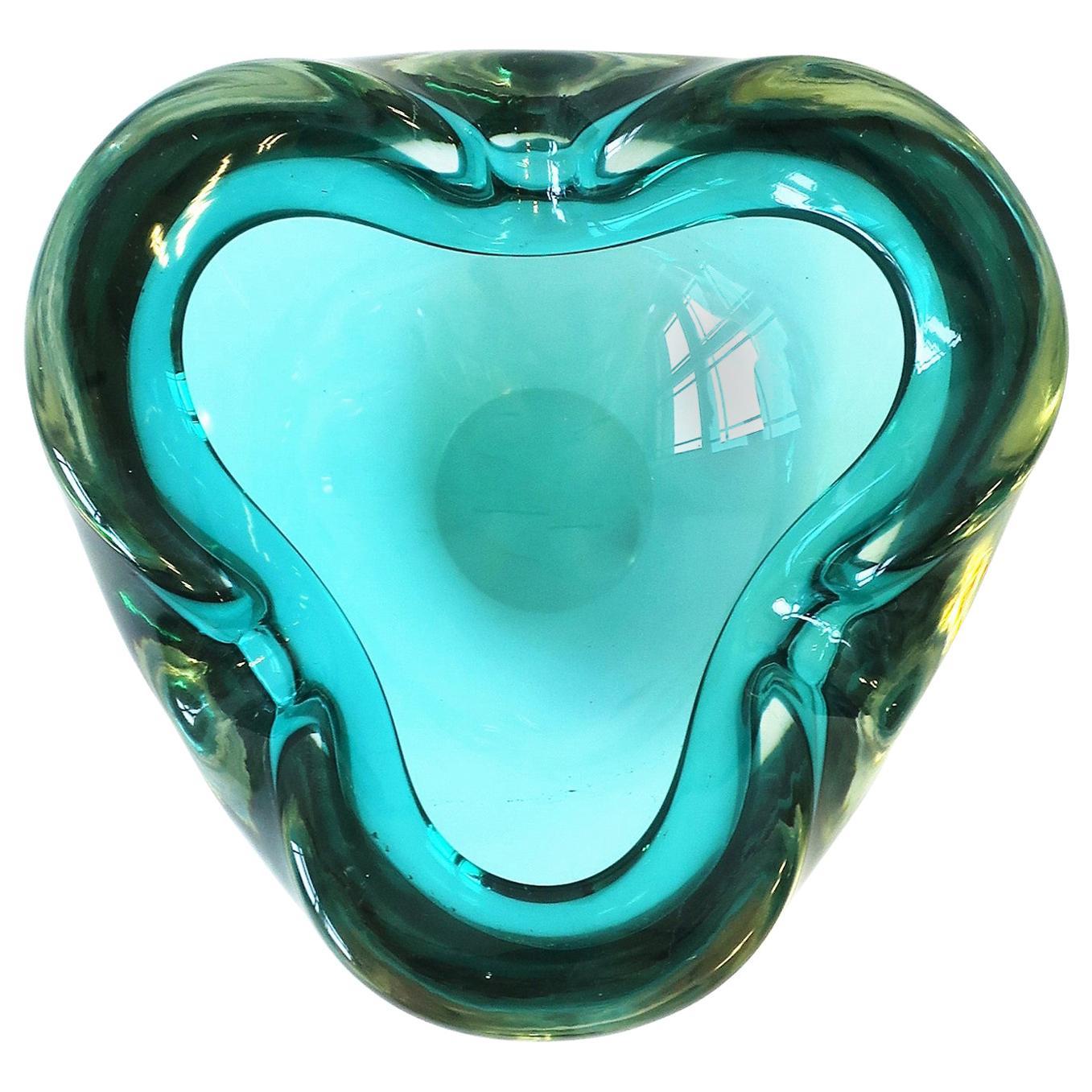 Italian Murano Blue Art Glass Bowl attribute to Alfredo Barbini