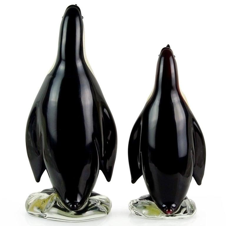 Mid-Century Modern Alfredo Barbini Murano Black Gold Flecks Italian Art Glass Penguin Sculptures For Sale