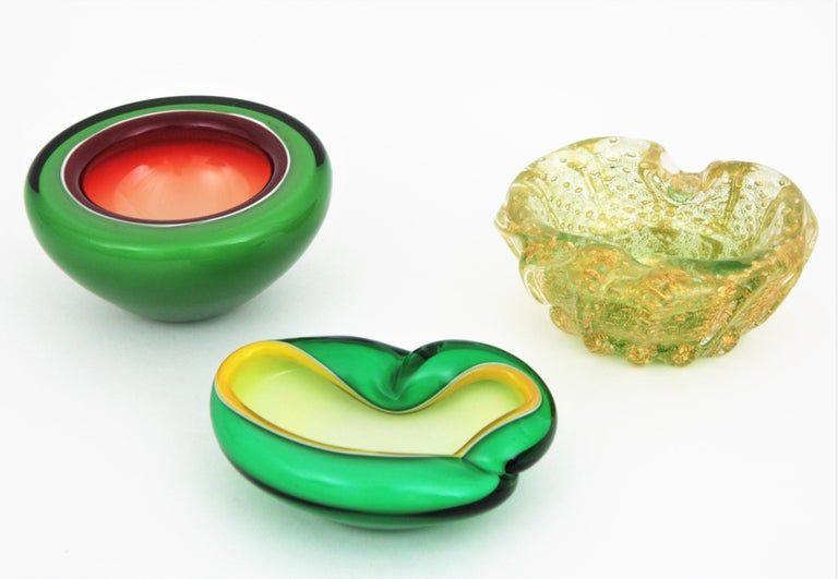 Alfredo Barbini Murano Sommerso Green, Yellow and White Art Glass Folded Bowl For Sale 7