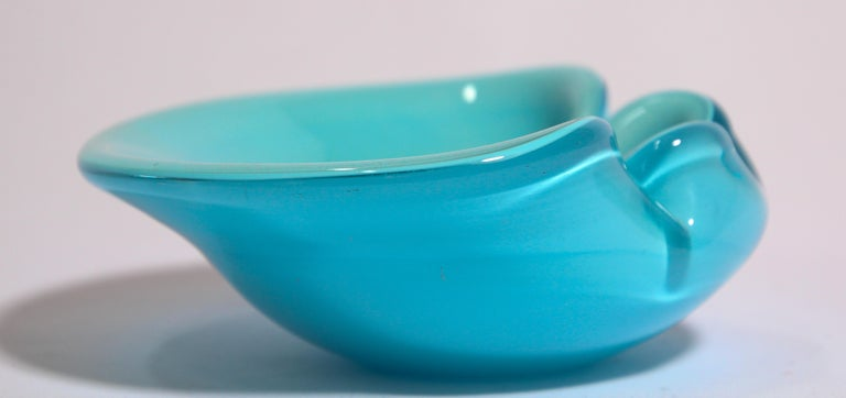 Mid-Century Modern Alfredo Barbini Murano Venetian Handblown Art Glass Turquoise Ashtray For Sale