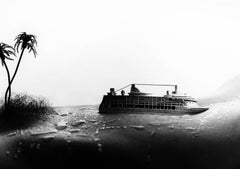 Cruise - Miniature black and white photo