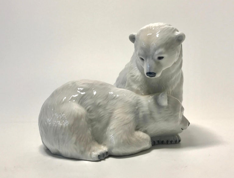 Allan Therkelsen Royal Copenhagen Porcelain Twin Polar Bear Cubs Figurine #356 In Excellent Condition For Sale In Rothley, Leicestershire