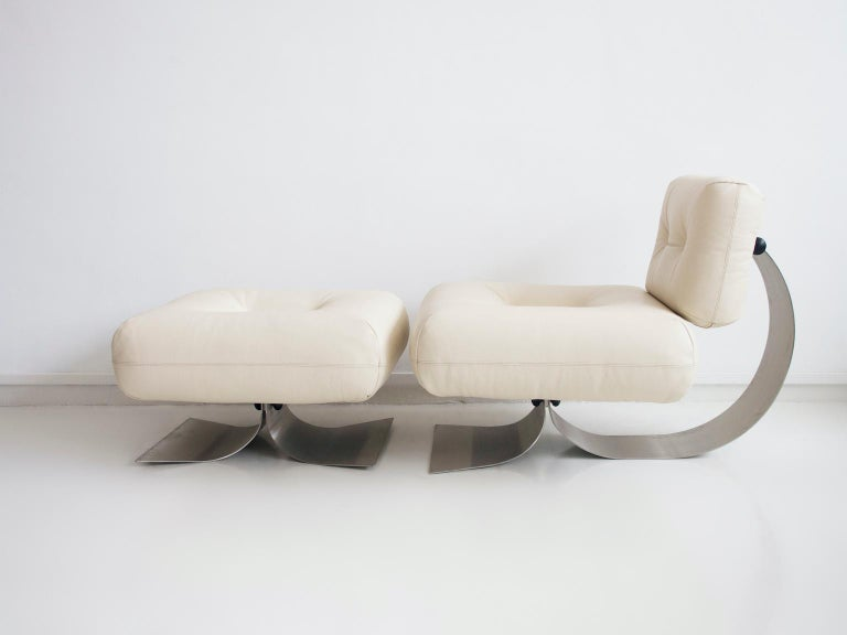 20th Century Alta Lounge Chair and Ottoman by Oscar Niemeyer
