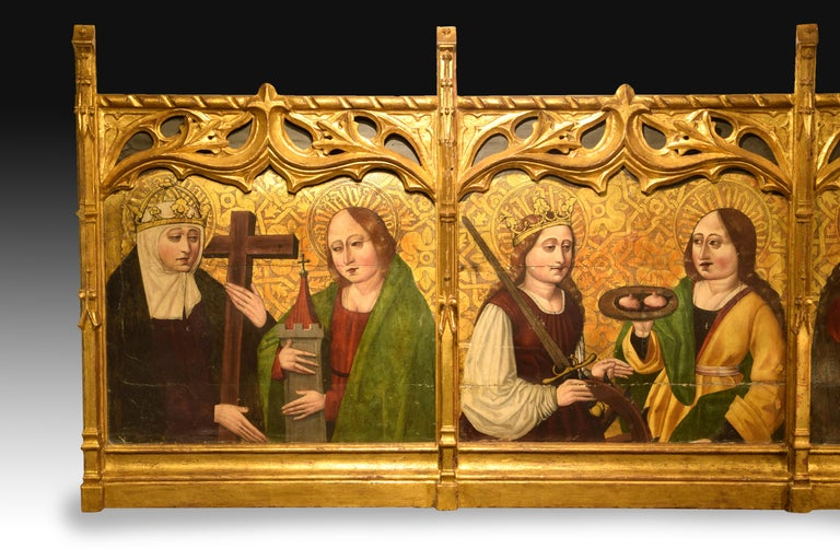 Altarpiece Fragment with Saints, Spanish School, 16th Century In Fair Condition For Sale In Madrid, ES