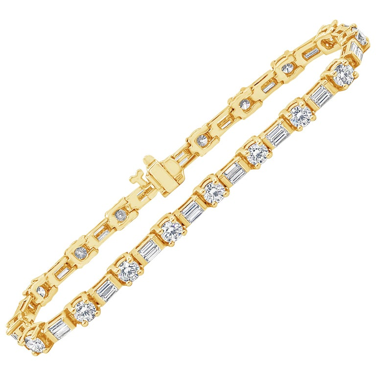 Alternating Round and Baguette Diamond Yellow Gold Tennis Bracelet For Sale