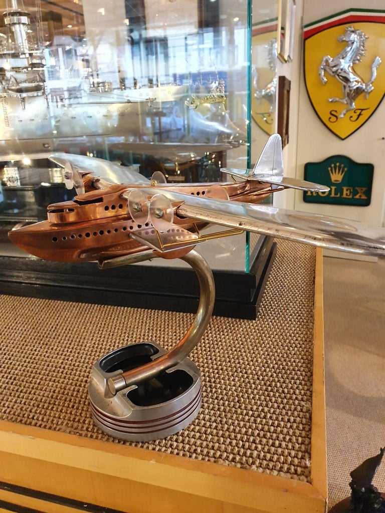 Aluminium and copper artisan desk model of a Latécoère 521 flying boat, 1930s In Good Condition For Sale In London, GB
