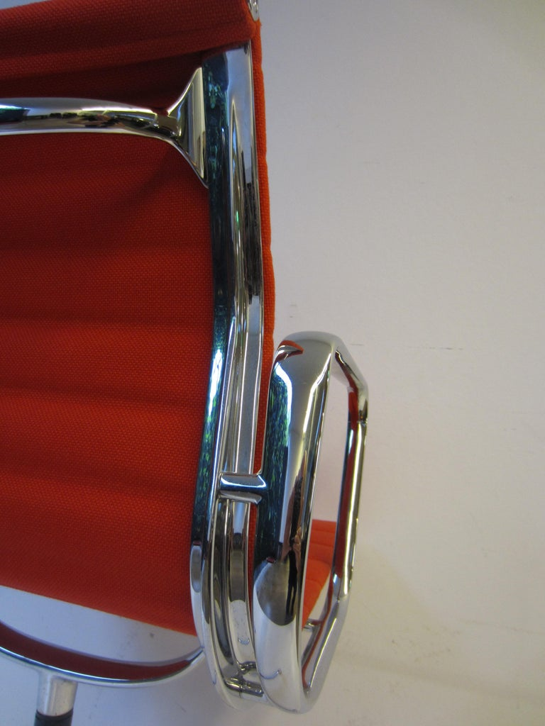 Contemporary Aluminium Red Chair EA 104 Charles & Ray Eames, Vitra For Sale