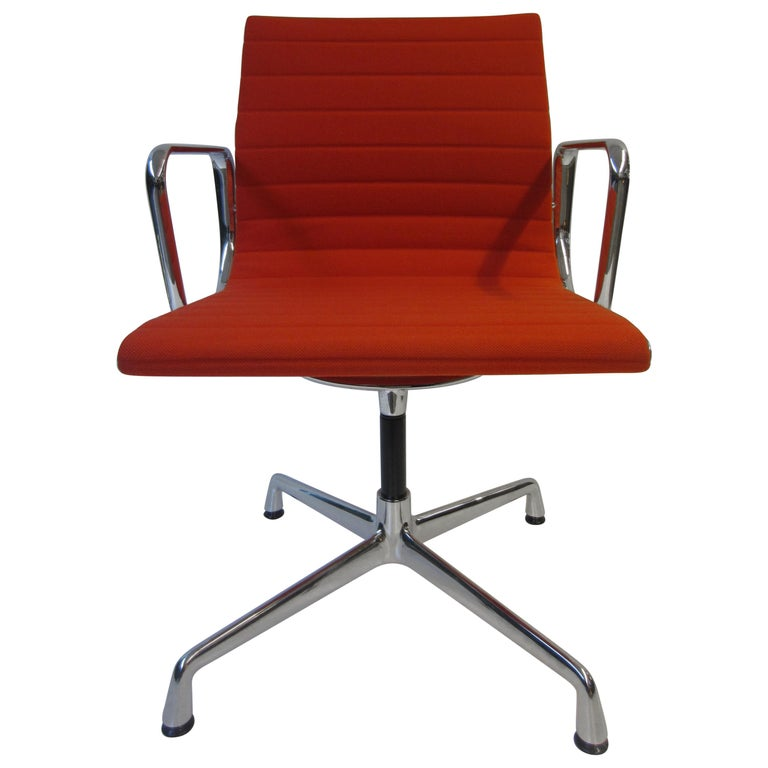 Aluminium Red Chair EA 104 Charles & Ray Eames, Vitra For Sale