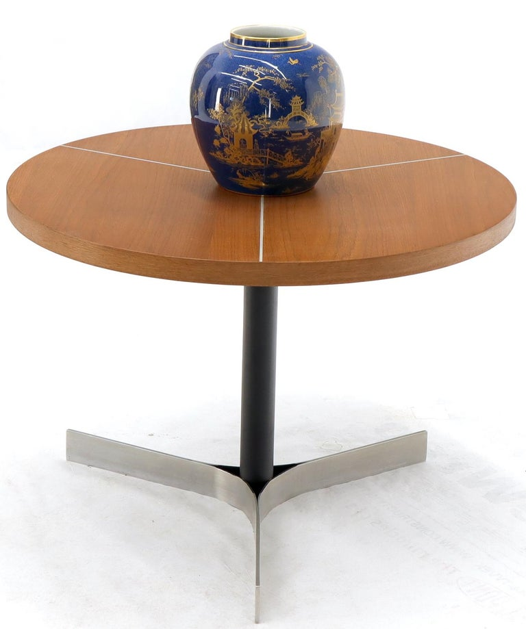 Mid-Century Modern bent metal base aluminum inlayed top side end or small coffee table. Knoll Herman Miller decor influence.