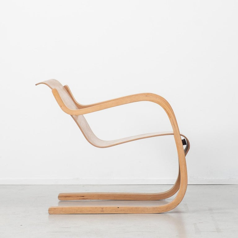 Finnish Alvar Aalto 31 Lounge Chair for the Paimio Sanitorium, Finland, 1931 For Sale