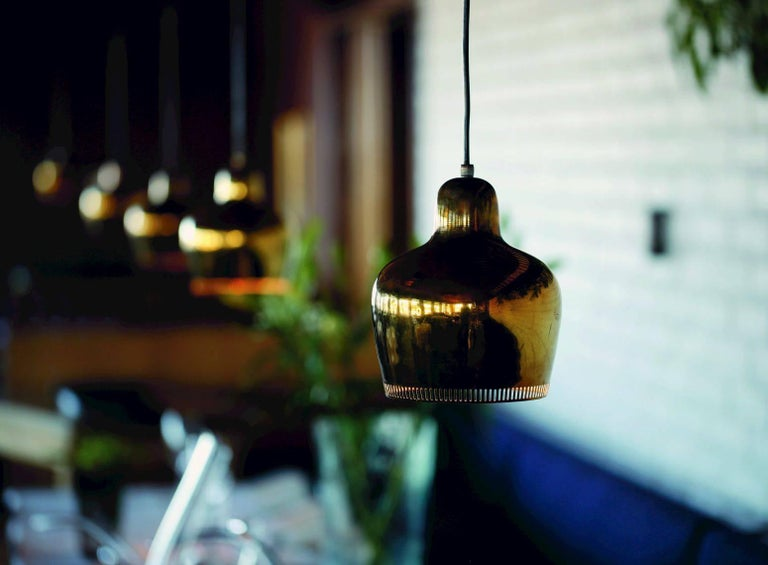 Alvar Aalto A330S 'Golden Bell' Brass Pendant Light for Artek In Excellent Condition For Sale In Glendale, CA