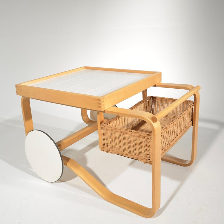 Alvar Aalto for Artek Tea Cart Model 900 In Good Condition For Sale In Los Angeles, CA