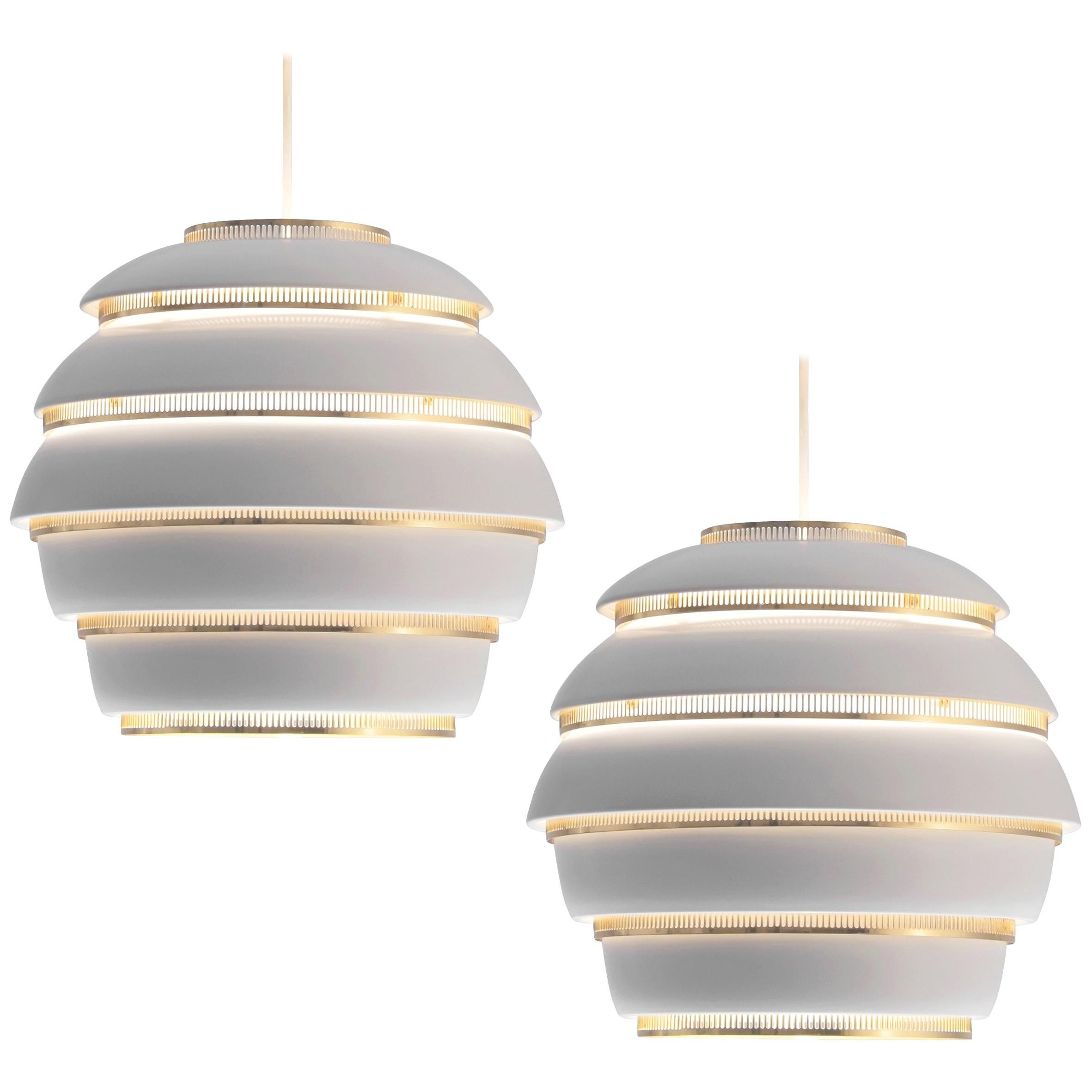 Alvar Aalto for Valaisinpaja Oy 'Beehive' Pendant Lamps in White Metal